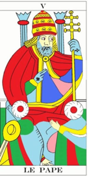 Le Pape arbore une croix spécifique sur les mains dans la plupart des versions du Tarot. Les deux moines représentent ici les deux ordres du Temple et de   l'Hôpital placés sous sa tutelle.