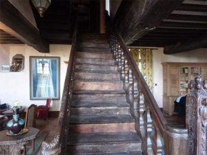 Escalier et pilier maçonnique