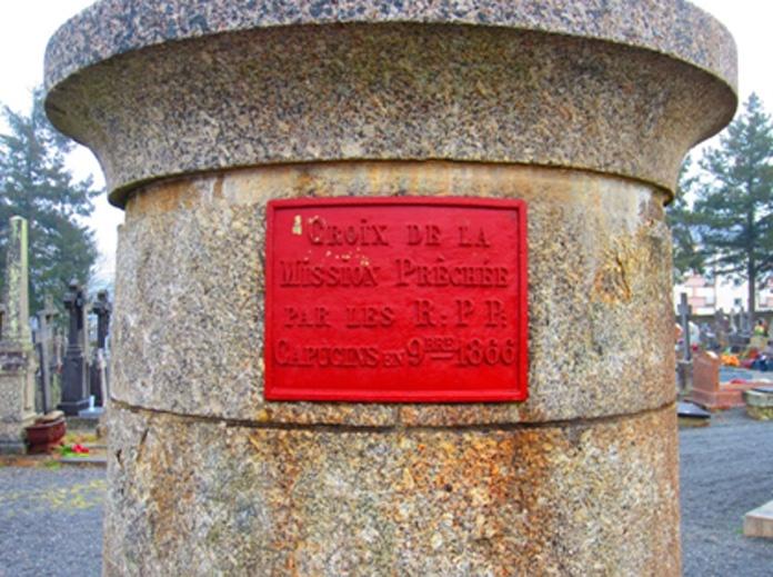 Plaque commémorative de la croix de mission - Hemeac ©