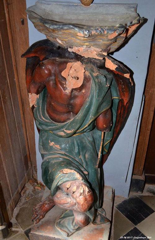 La statue du diable de l'église de Rennes-le-Château décapitée