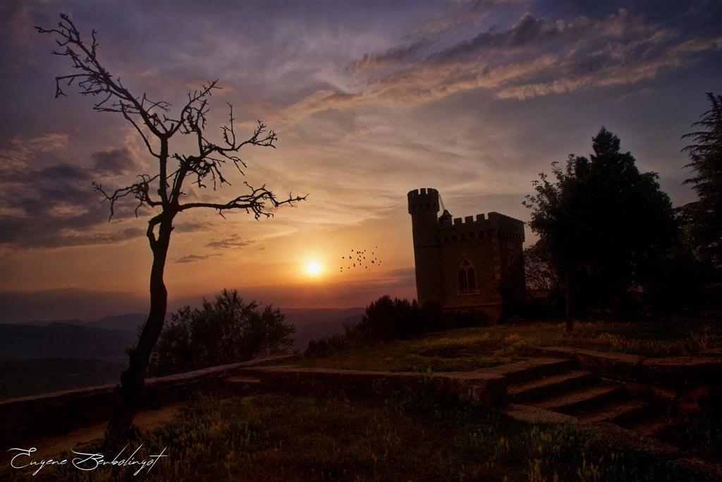 La tour Magdala de Rennes-le-Château au coucher du soleil : Photos Templiers Vatican