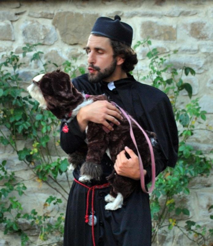Meurtre de l'abbé Gélis : le singe Méla de Bérenger Saunière est-il l'assassin de Gélis ?