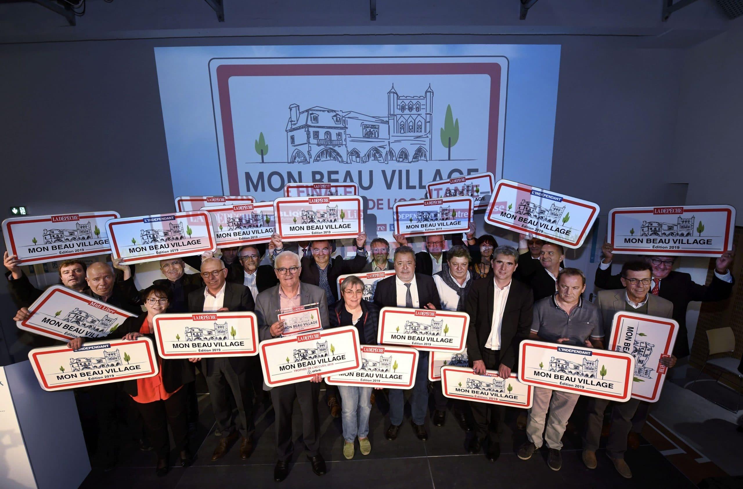 """Remise des prix de """"Mon beau villag"""" à Toulouse."""