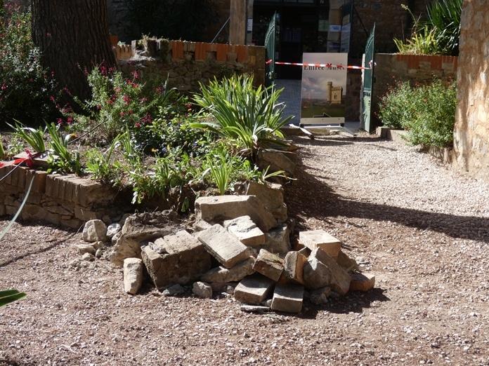 Murettes démolies du jardin du Calvaire