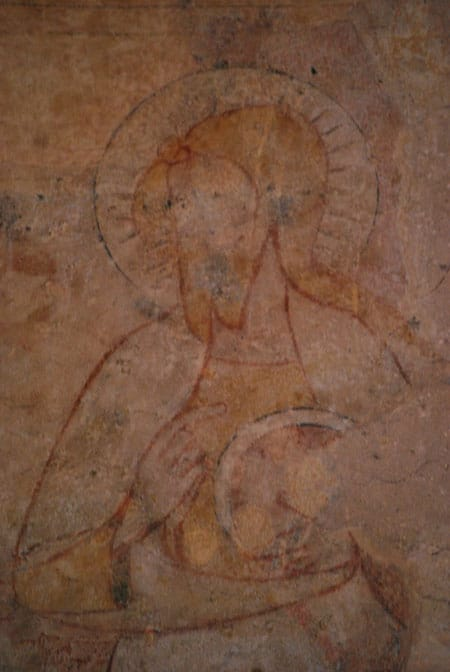 Double croix peinte au-dessus du chœur de l'église de Serres (Aude - 11)