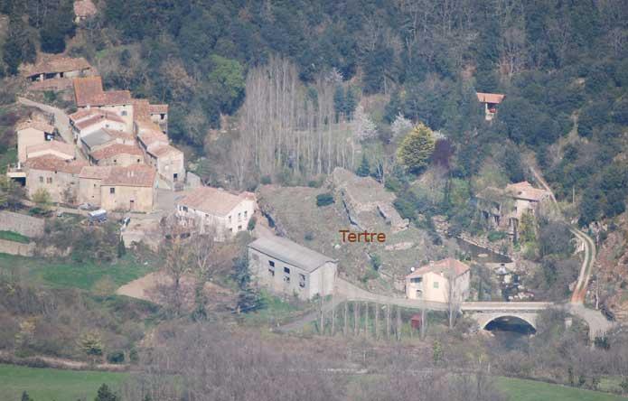 Le tertre du hameau de la Vialasse