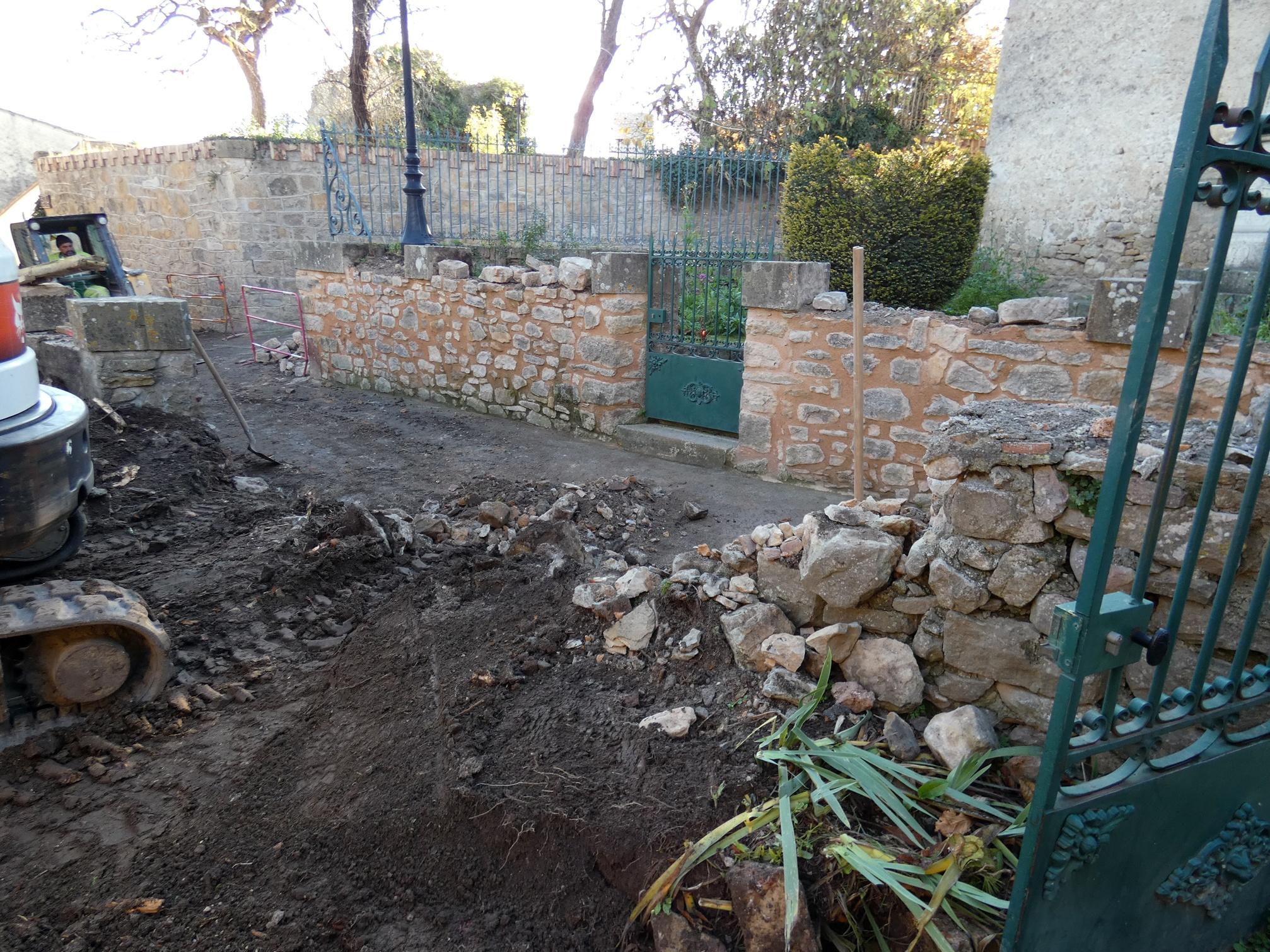 Le jardin du calvaire dévasté à Rennes le Chateau