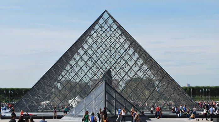 Petite et grande pyramides du Louvre