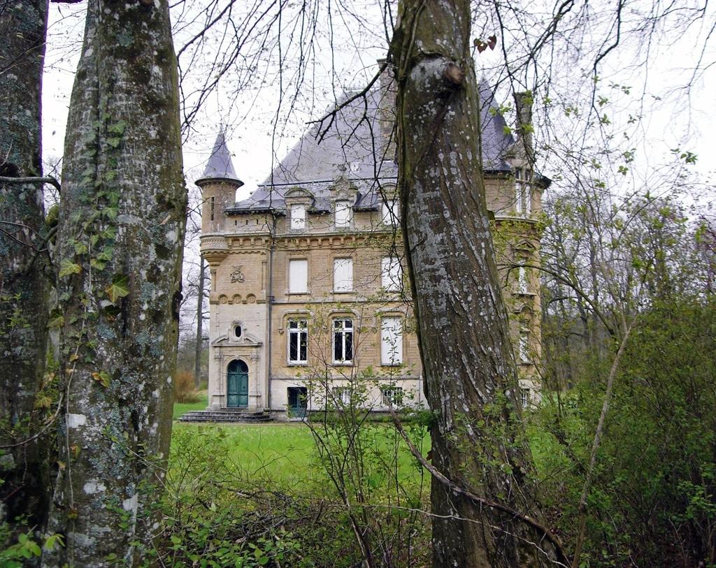Autre château à Charmoy