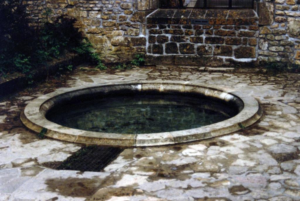 La fontaine Mathilde dans l'abbaye d'Orval