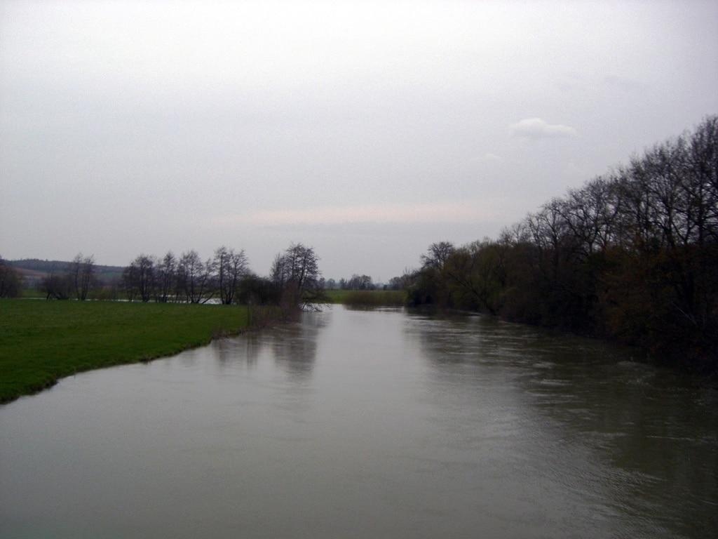 La Meuse à Stenay, ville du diable