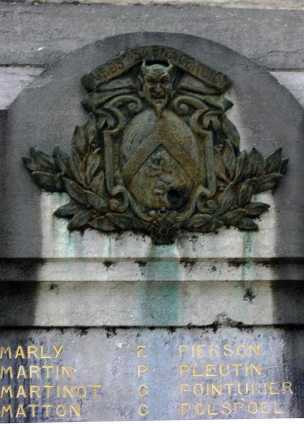 Monuments aux morts de Stenay ville du diable