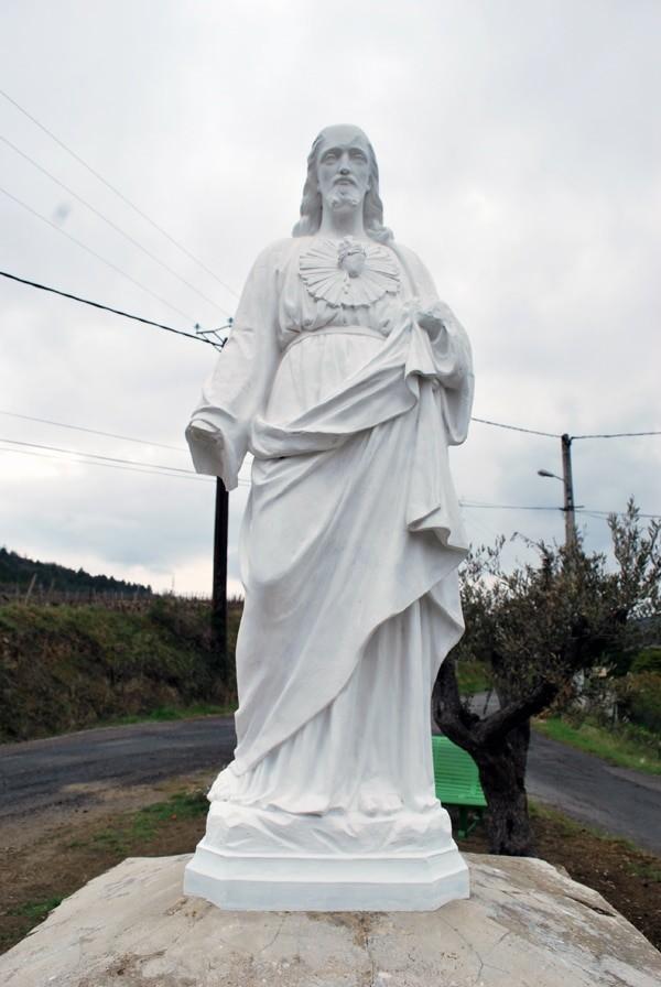 Christ d'Antugnac repeint en blanc en 2012