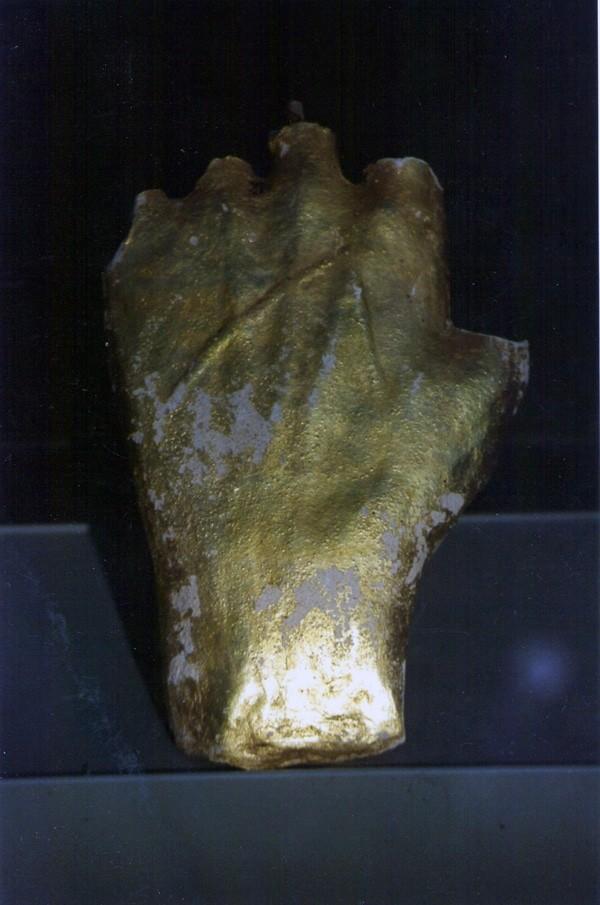 Main gauche du Christ d'Antugnac sauvée par Jean-Marie Villette
