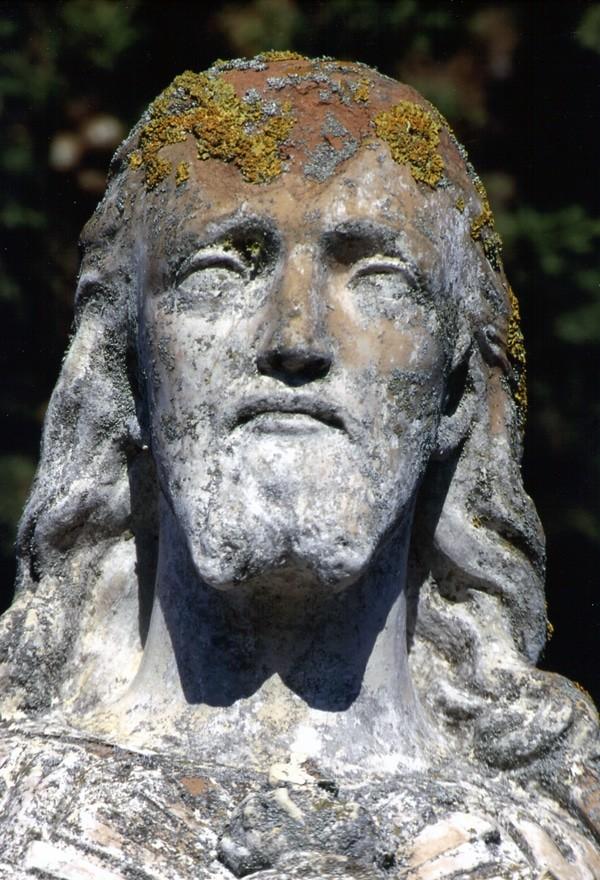 La face du Christ d'Antugnac en plein soleil