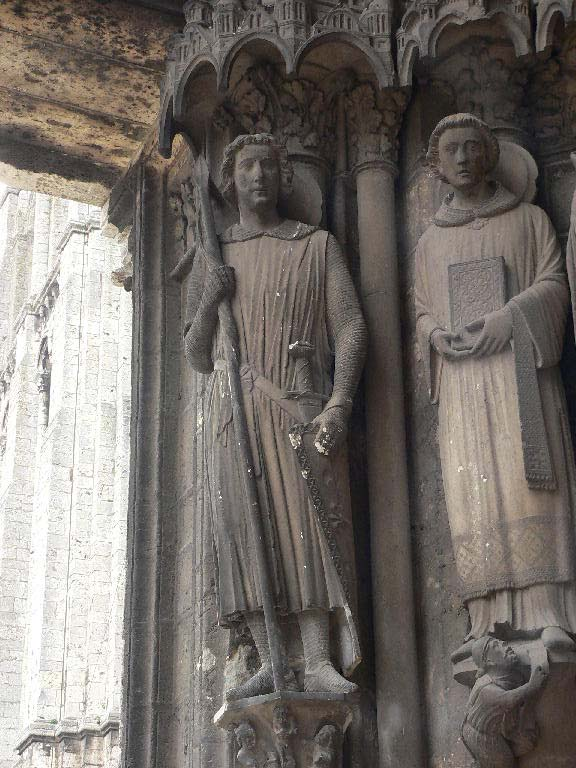 Statue de Roland à la cathédrale de Chartres (DR)