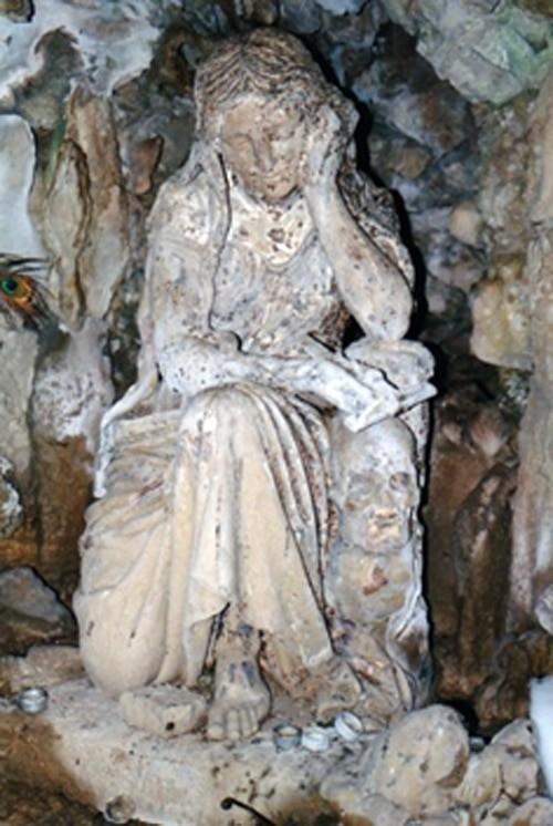Grotte du Baulou avec une Marie-Madeleine