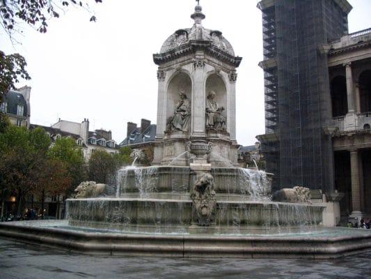 Fontaines des 4 points cardinaux devant Saint Sulpice de Paris