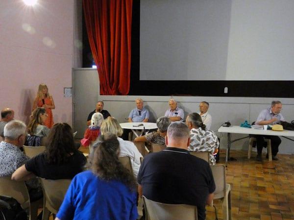 Table ronde du premier séminaire de la haute vallée de l'Aude consacré au secret du triangle audois