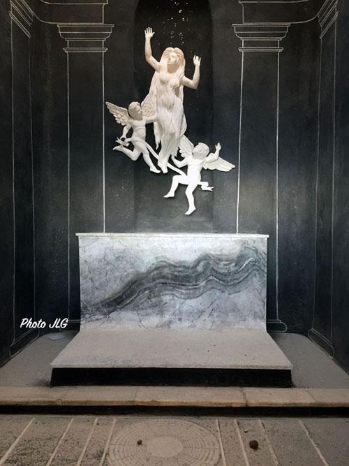 Statue de Marie-Madeleine dans la chapelle du  saint Pilon à la sainte Beaume