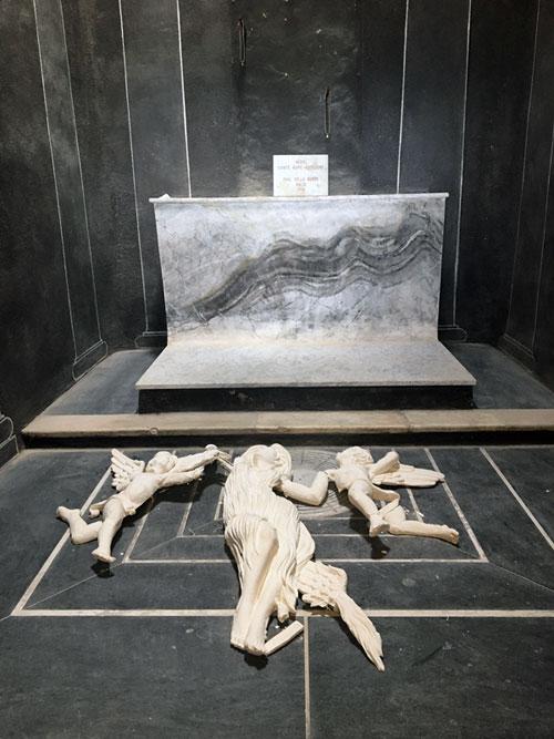 News : Pillage de la statue de Marie-Madeleine dans la chapelle du  saint Pilon à la sainte Beaume