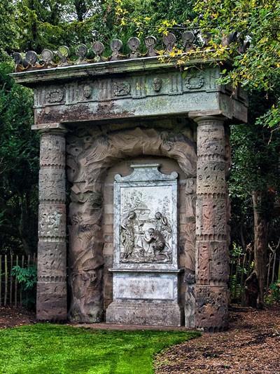 News : Copie - inversée - du tableau Les Bergers d'Arcadie de Poussin à Shugborough Hall