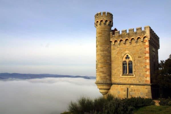 Le 17 janvier 2006, la tour Magdala était au-dessus des nuages .