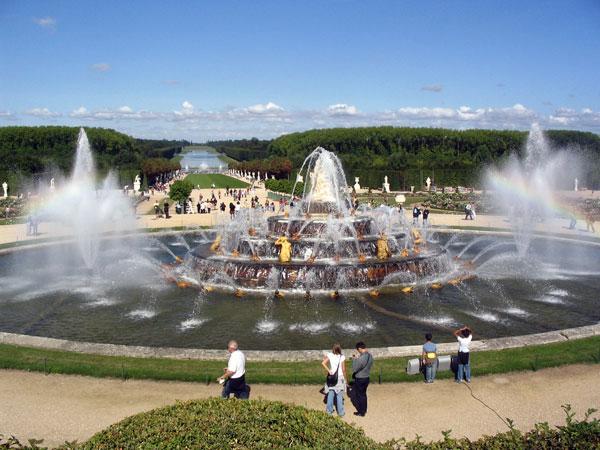 News : Le Grand Canal dans le parc du château de Versailles