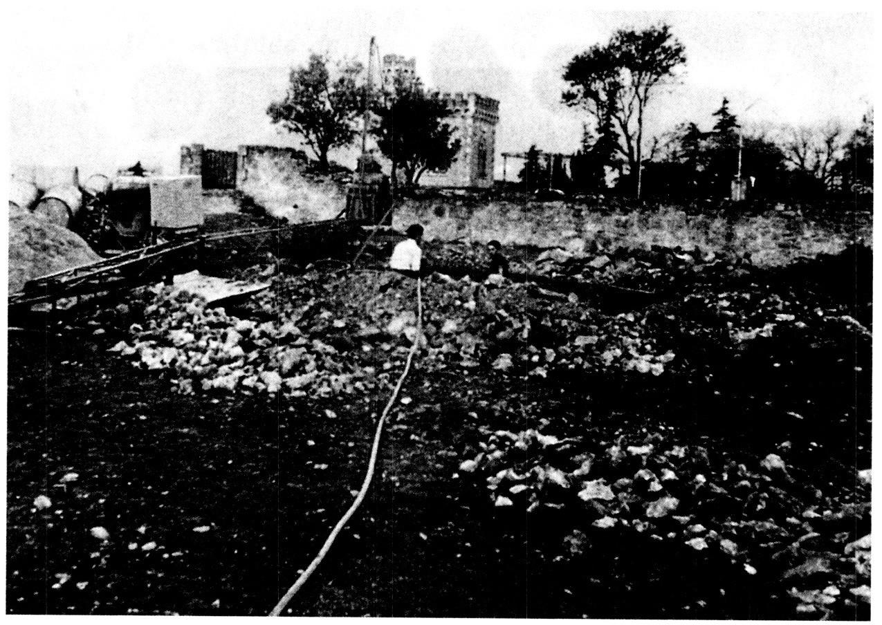 News : Les fouilles de Noël Corbu à Rennes-le-Château devant la tour Magdala en 1960
