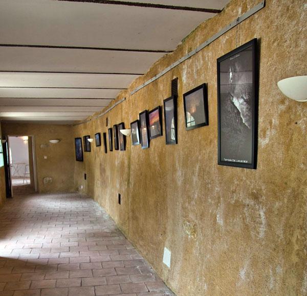 Photos d'Eugène Berbolingot exposées à la galerie de l'abbé Saunière à Rennes-le-Château