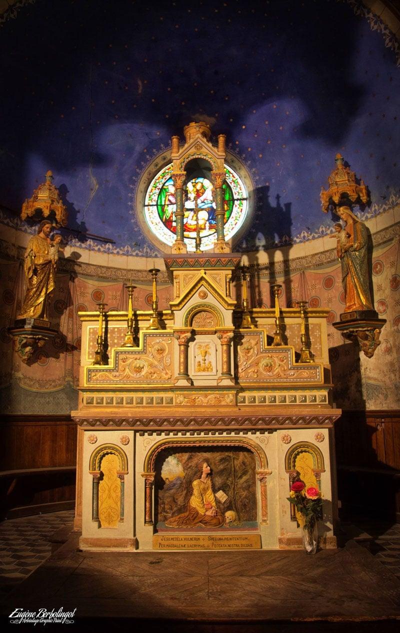 Photo de l'autel de l'église sainte Marie-Madeleine de Rennes-le-Château